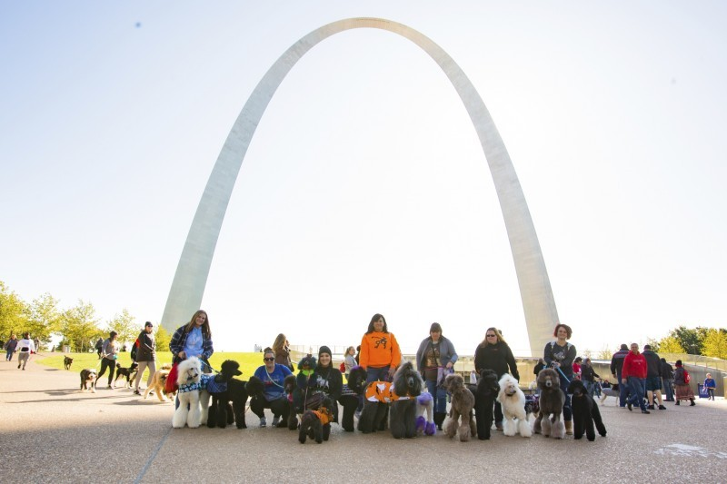 Volunteers under the arch