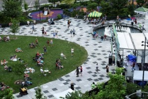 Kiener Plaza event with stage