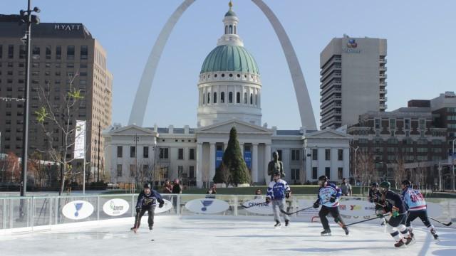 3-on-3 hockey players